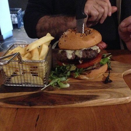 McCrae, Australien: Hamburger, better than getting from the fish shop