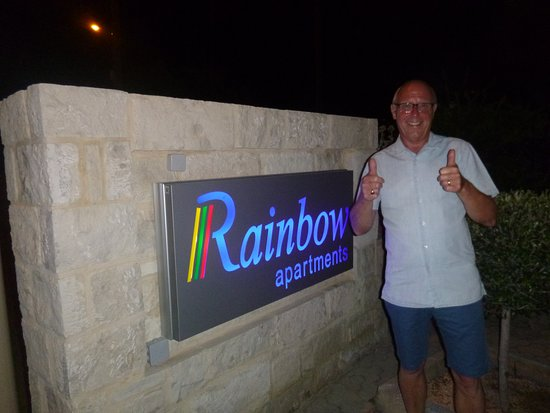 Rainbow Apartments: definately give Rainbow the thumbs up