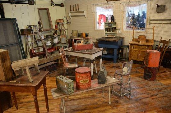 RomWeber Marketplace: Primitive Antiques