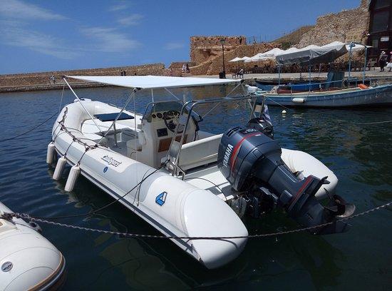 Golden Boheme Yachting Co: motor boat Calligari 6,70m , Yamaha 150cc , Yamaha 15cc for rent with skipper - old port Chania
