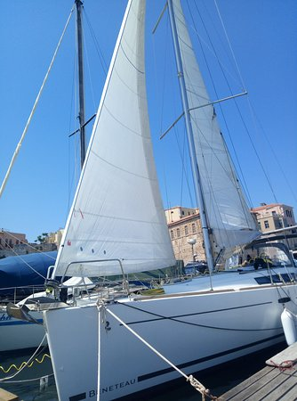Golden Boheme Yachting Co: We opened  our sails to Venetian port Chania S/Y Boheme
