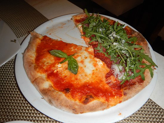 AMORE MIO Pizzeria Napoletana: Half and half pizza