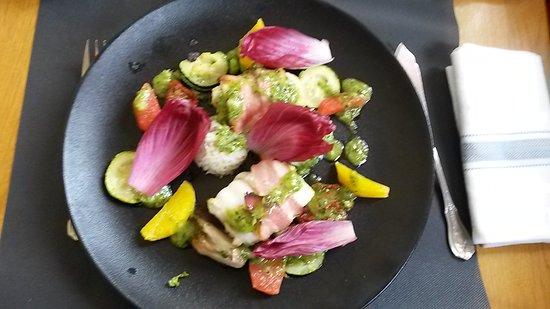 Chateau du Loir, France: Sabre agrumes et basilic, méli-mélo de légumes