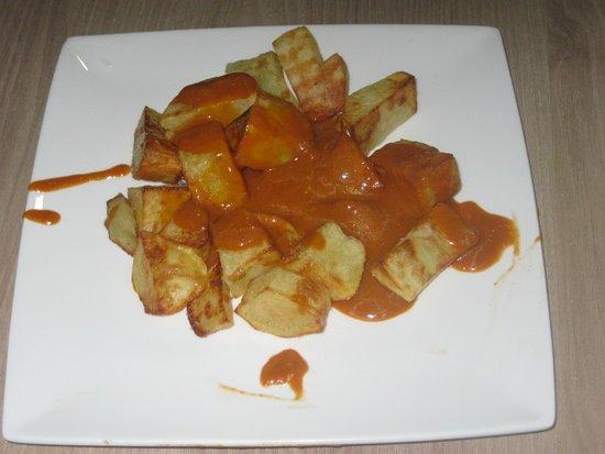 Gafanha da Nazare, Portugal : Patatas bravas