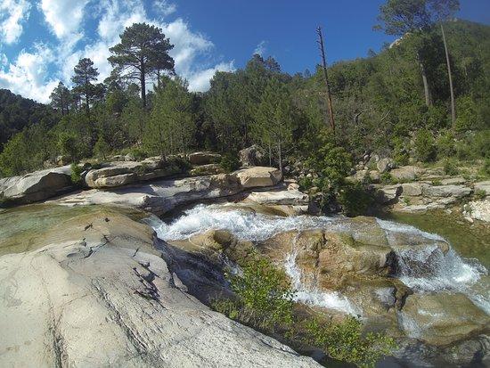 A Tyroliana: et la riviere