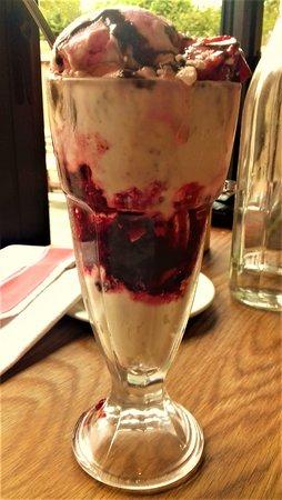 Levens, UK: special dessert