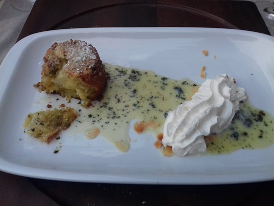Steak House: Gluten-free white chocolate with lemon and pistacio cake.