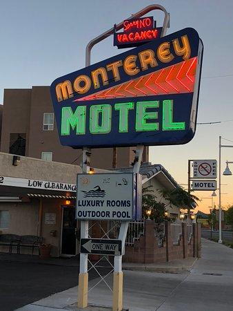Monterey Motel: Retro rest stop, convenient to historic Old Town