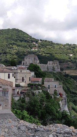 Fiumefreddo Bruzio, إيطاليا: 20180616_141514_large.jpg