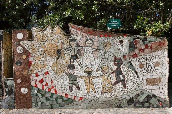 Collodi, Italia: Piazzetta dei Mosaici di Venturino Venturi - particolare
