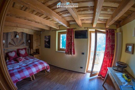 Bionaz, Włochy: Spettacolare la nostra camera, con balcone sulla vallata