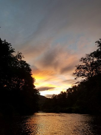 RiverGirl Fishing Company: New River at sunset, pretty darn close to heavan!