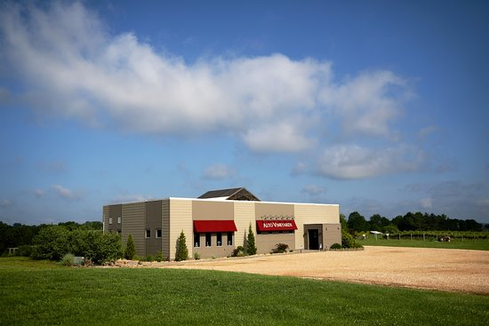 Alto Pass, IL: Our 5,000 square foot tasting room can fit weddings or large events up to 150 or as small as 10.