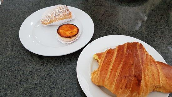 Tricana de Aveiro: colazione nella pasticceria sottostante