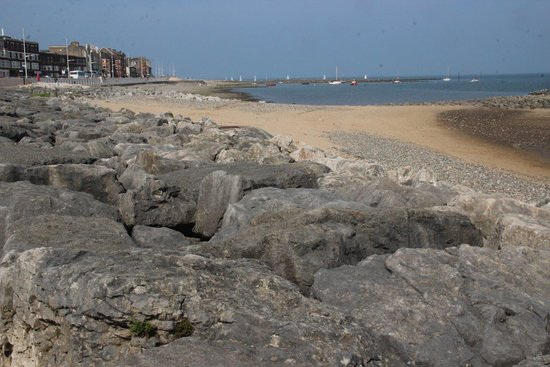 Hest Bank, UK: The northern end of Morecambe seafront, nearby