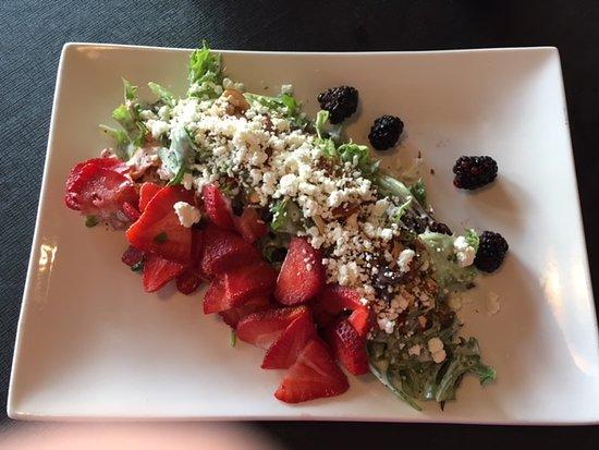 Berkeley Springs, WV: Such a good salad; feta, sliced toasted almonds, sun dried tomatoes, lemon-poppyseed dressing...