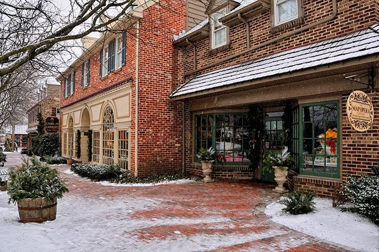 Lahaska, PA: Outside our Peddlers Village store on Street Road