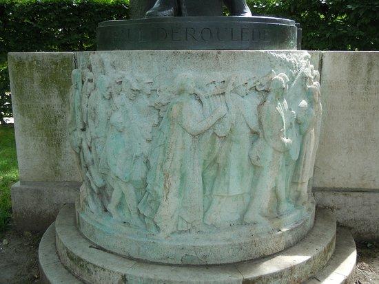 Statue de Paul Deroulede