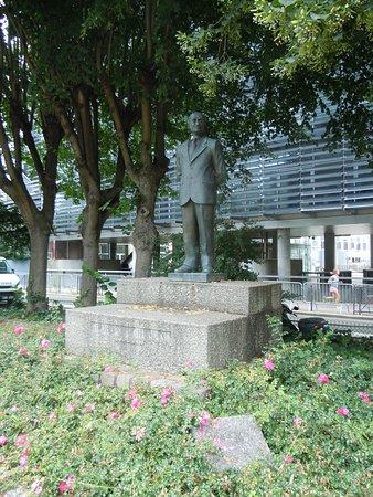 Statue de Robert Schuman