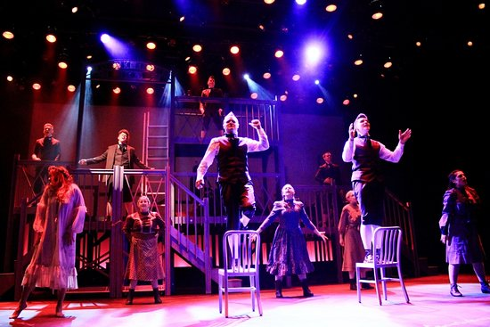 Amherst, Νέα Υόρκη: MusicalFare's production of SPRING AWAKENING onstage at Shea's 710 in downtown Buffalo.