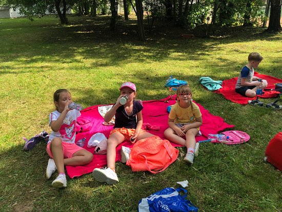 Yevgenii Linetskoi Tennis School