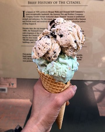 Double scoop in a cone (Pistachio and Cookies-n-Cream).