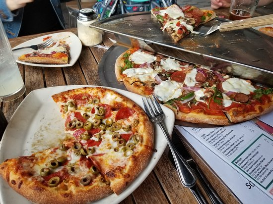 Slyce: Pizza here is the best!