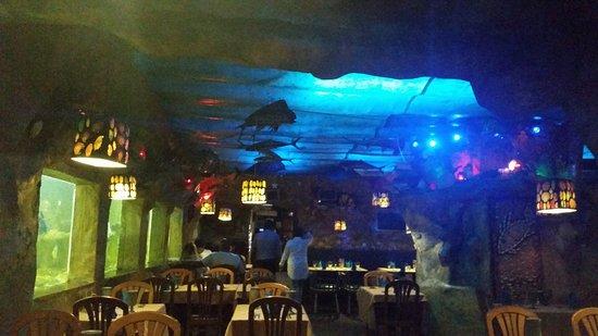 Buccaneer Restaurant: Under the Sea Atmosphere