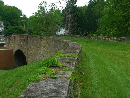 Claysville, PA: Beautiful  S Curve Bridge on the Old National Pike
