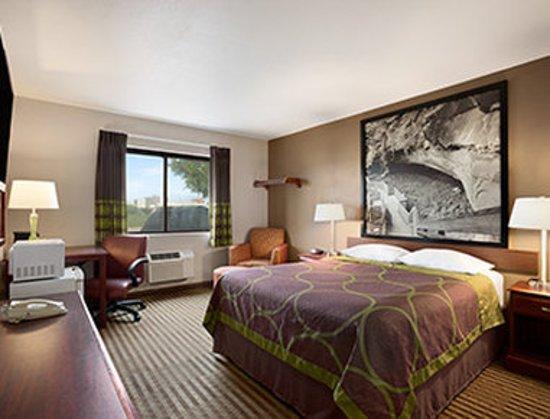 Fremont, NE: Guest room