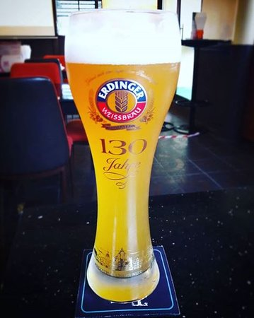 The Loft Sports Pub and Grill: Erdinger White Beer Served in Frosted Glass