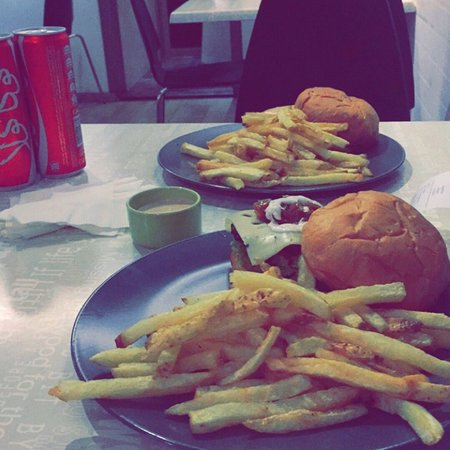 Al Khafji, Arábia Saudita: Burger House SA