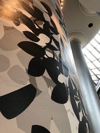 The Westin Peachtree Plaza, Atlanta: Mural Love
