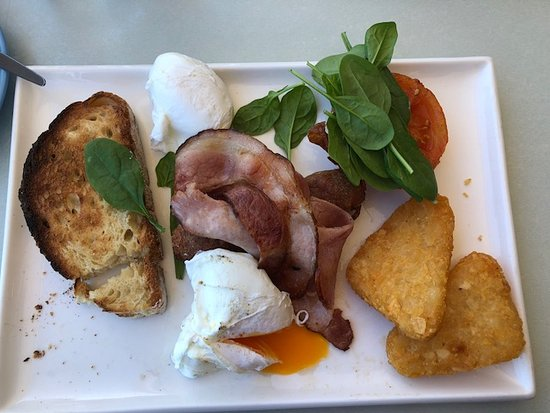Cottesloe, Australia: This is the Surfers Breaky
