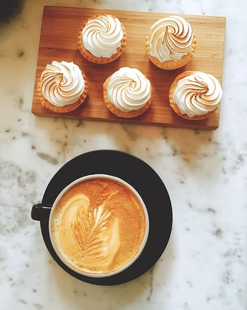 Alexandra, Australia: Delicious Tobys Estate coffee and house made pastries