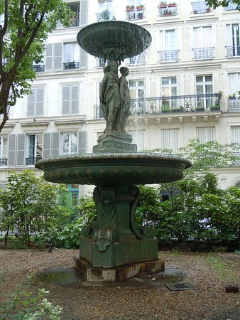Fontaine Cite Trevise