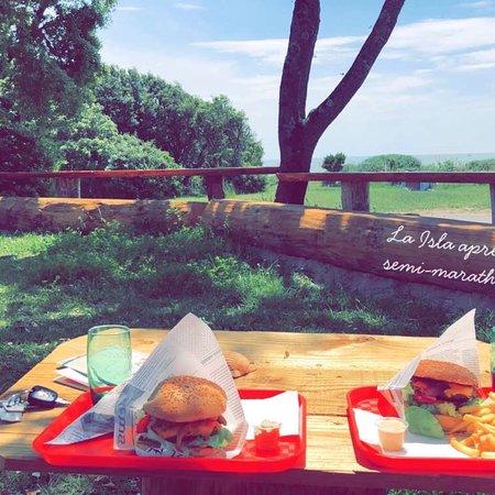 Un Super Cadre Pour Manger De Super Burgers Picture Of La Isla