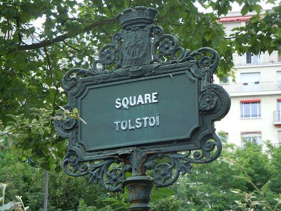 Square Tolstoi