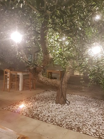 Giurdignano, Italy: 20180619_221008_large.jpg