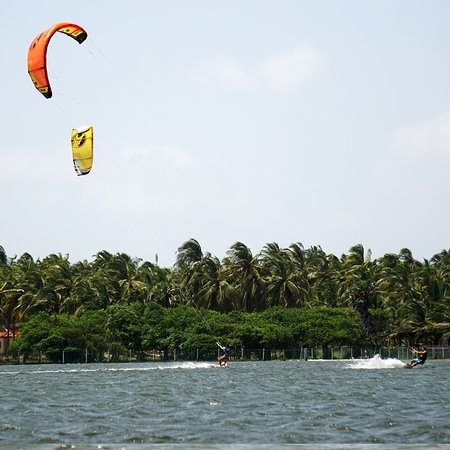 Kalpitiya, Sri Lanka: Kitesurf Flatwater lagoon Kappaladi, kite directly from our resort