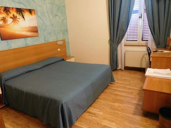 Hotel 2000: Bedroom
