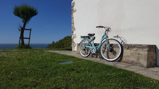 Bidart, France : explore the basque country with our new electric bikes