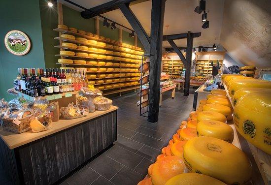 De kaaswinkel bij Kaasboerderij De Ossenwaard in Werkhoven