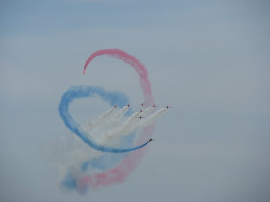 RAF Cosford Air Show: The WORLDS best !! The Red Arrows !!