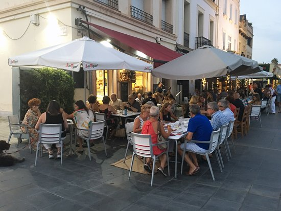 Alwyas with a nice selection of happy people, oposide the trainstation of Vilassar de Mar and be