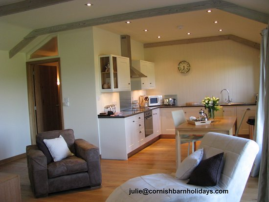 Perranwell Station, UK: The main living room and kitchen