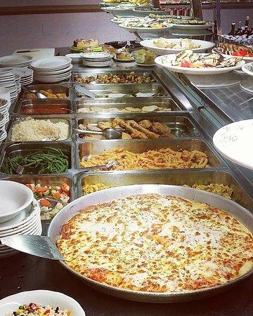 Moscova 7: in primo piano la nostra pizza margherita al trancio
