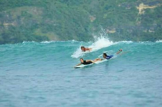 Selong Belanak, Indonesien: Surflesson with kewelsurflombok