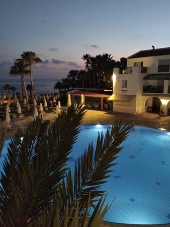 Akti Beach Village Resort: Vanaf het terras van de lounge