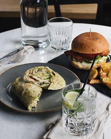 Big Spoon: ceasar wrap + chicken burger